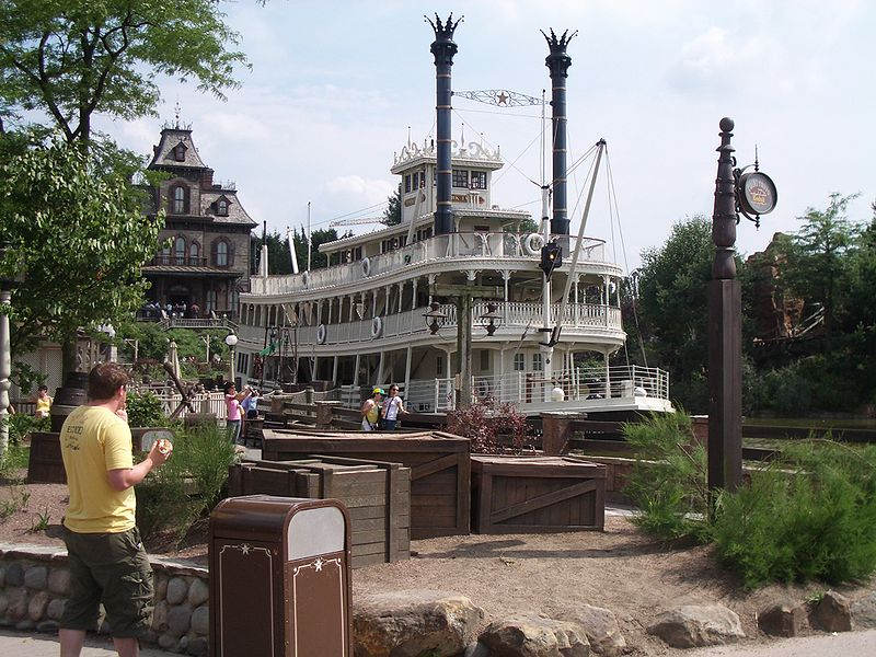 800px-DLP_Riverboat