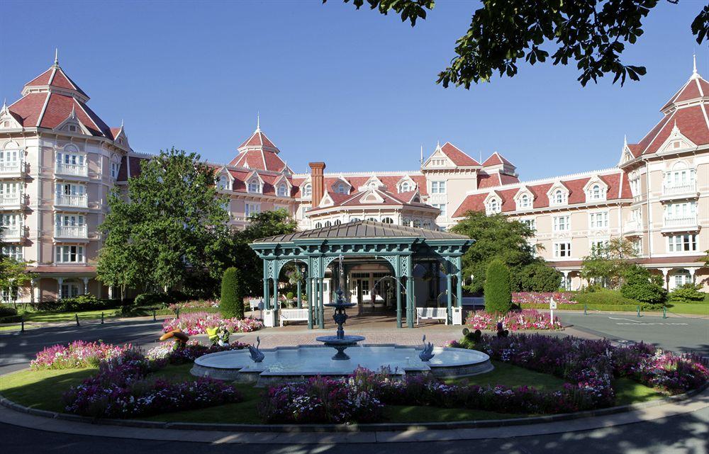 Disneyland-Hotel-Paris-01