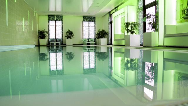 183983.marne-la-vallee-hotel-radisson-blu-hotel-at-disneyland-resort-paris.premium-overview.07-leisure-version-player.jpeg